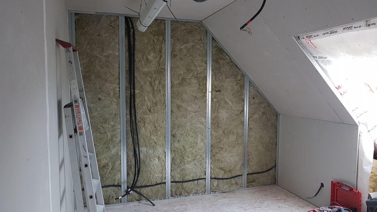 pose laine de verre cloison entre chambre N1 et N2