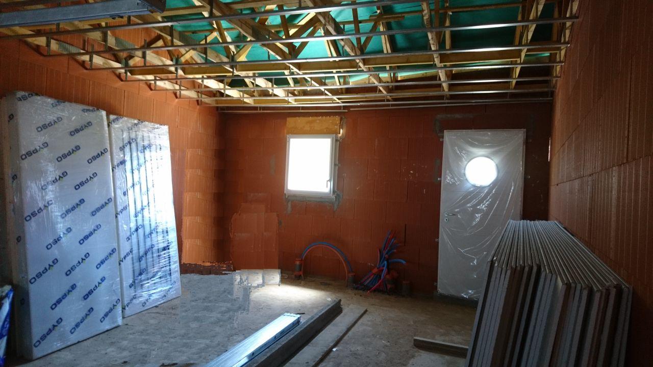 Rails au plafond du garage / cellier