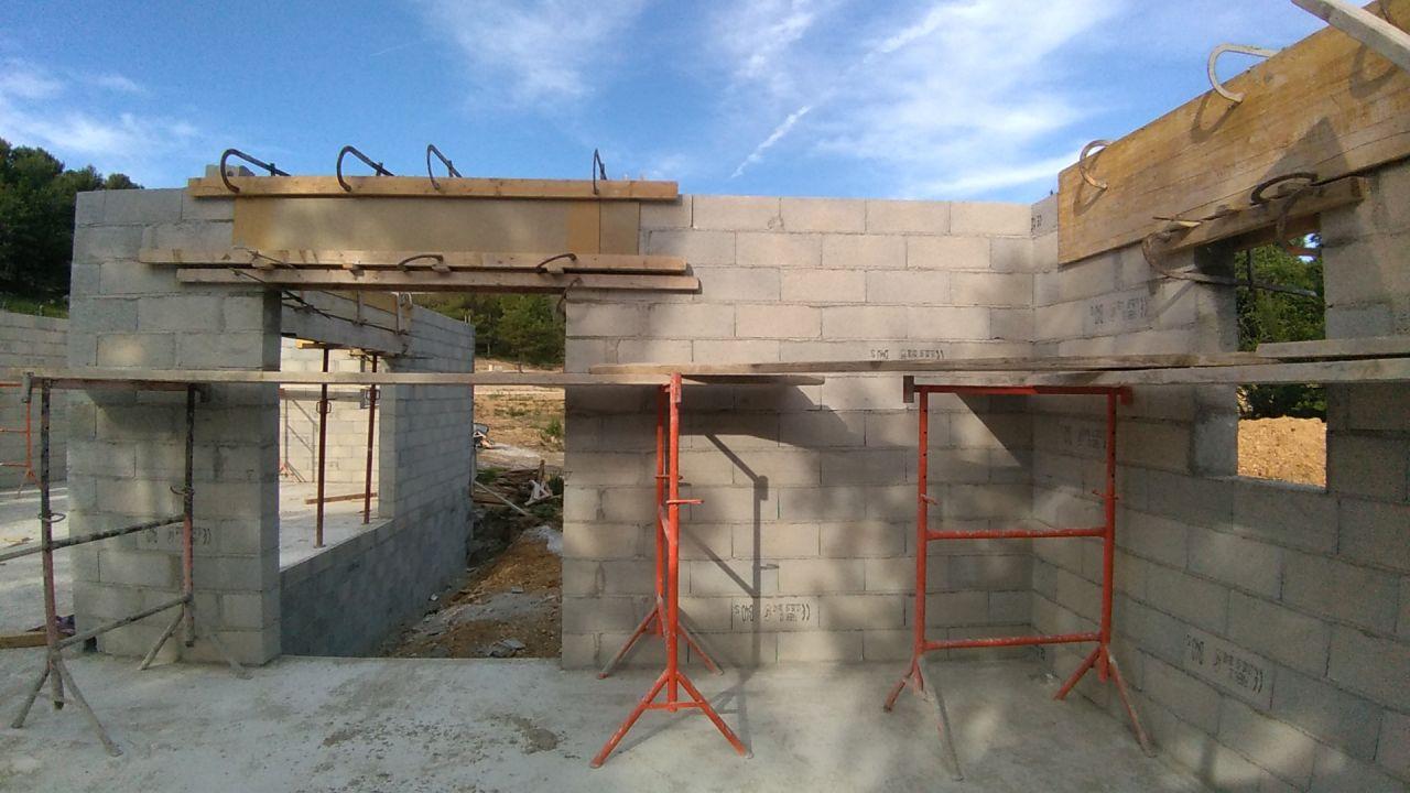 Finalisation de l'élévation des murs + ajout des volets roulants