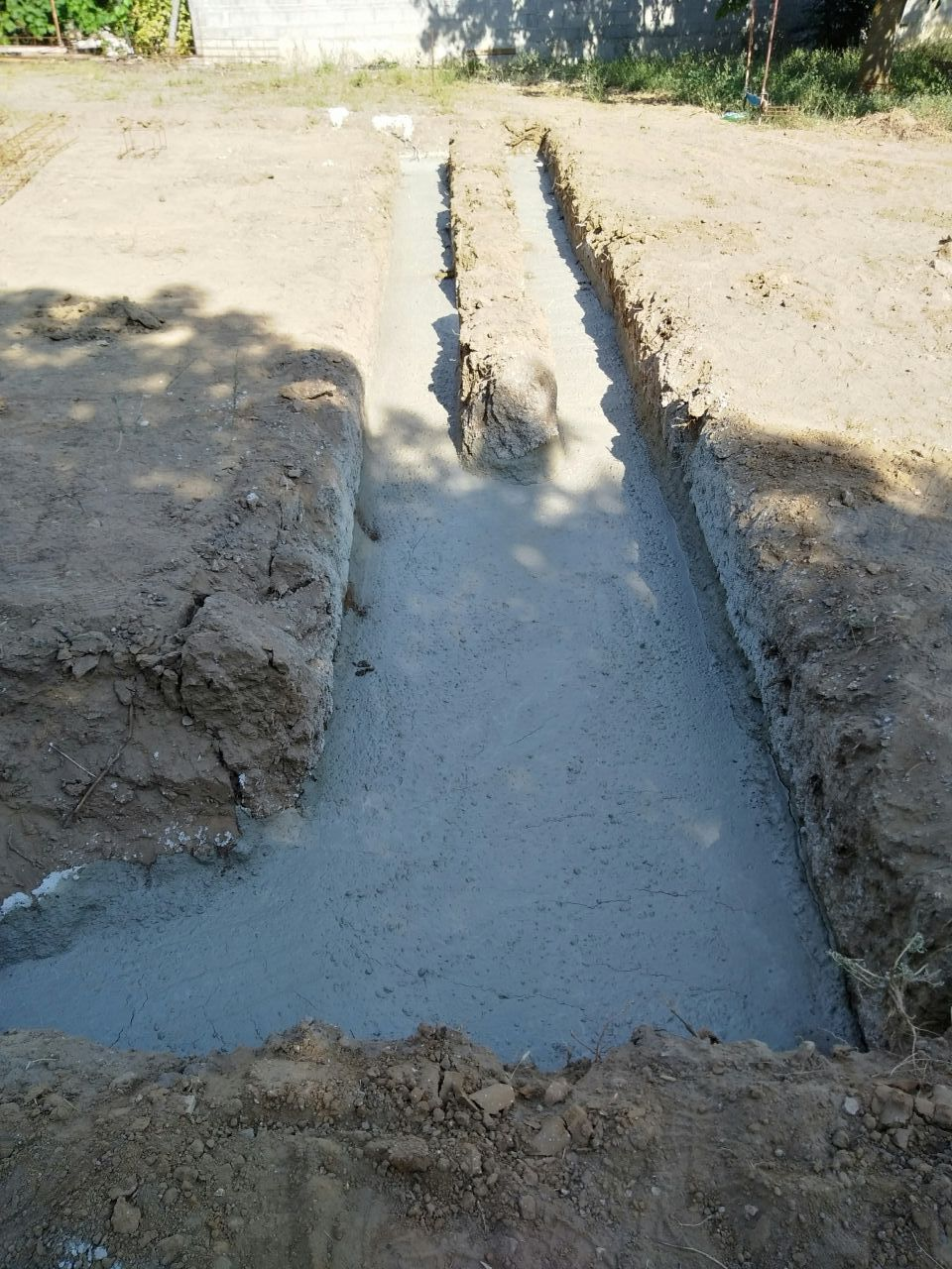 Gros béton fondation coulé