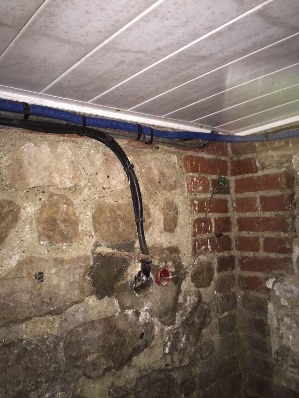 Arrivée électricité cave Maison
