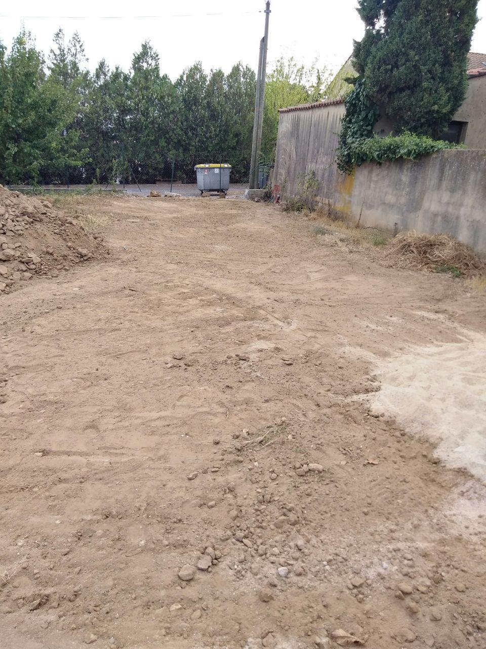 Réseaux secs enterrés et terrain mis à plat