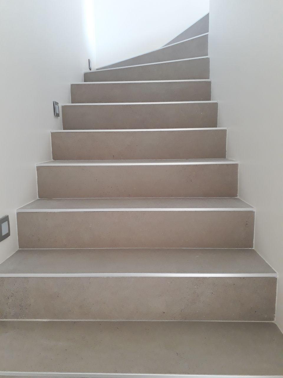 escalier, carreau en 120cm (pour un escalier de largeur 100 mais avec virage....)