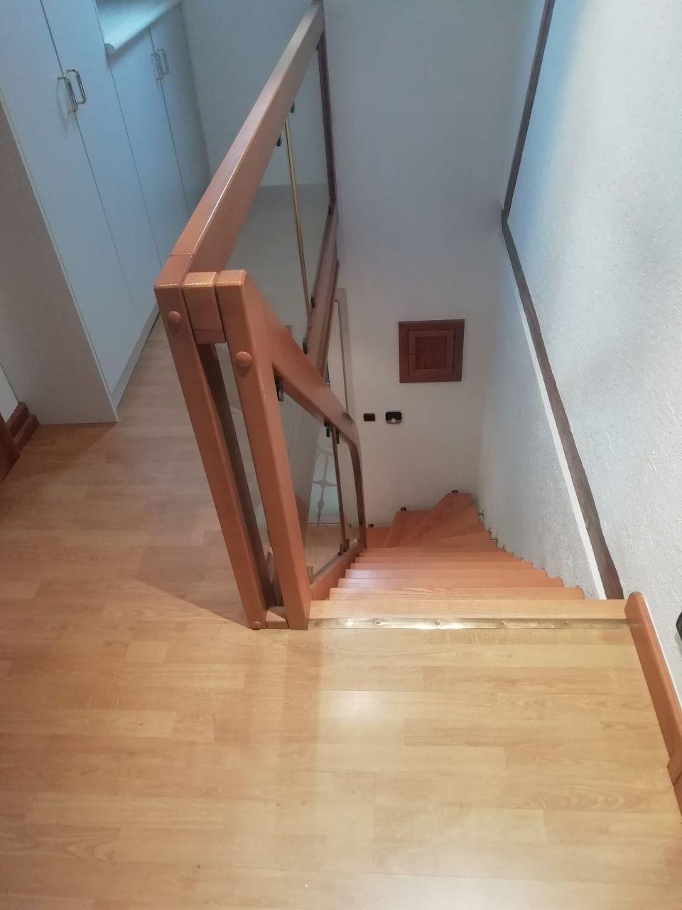 etage avec escalier