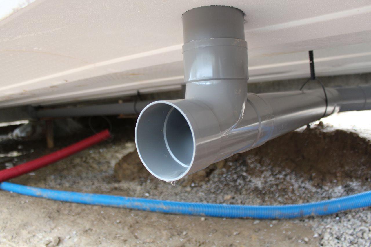 Assainissement, évacuation des eaux usées en PVC D100