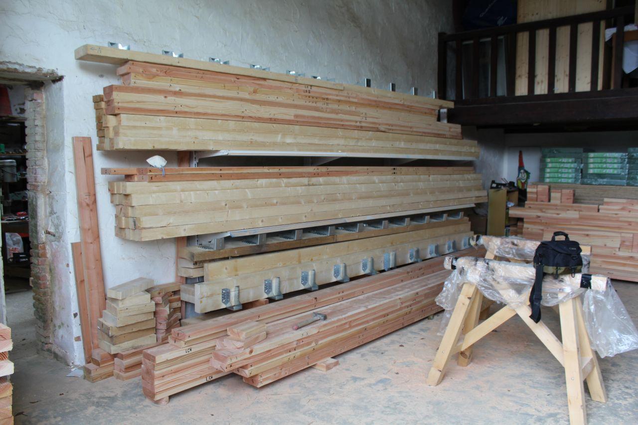 Débit du bois pour les murs : Lisse basse, lisse haute, muraillère pour plancher d'étage.