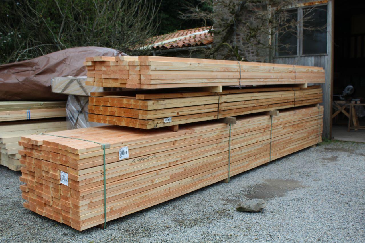 2ème livraison de bois : Bois d'ossature 45*145 en 6m et 5m, 45*120 en 5m pour le garage