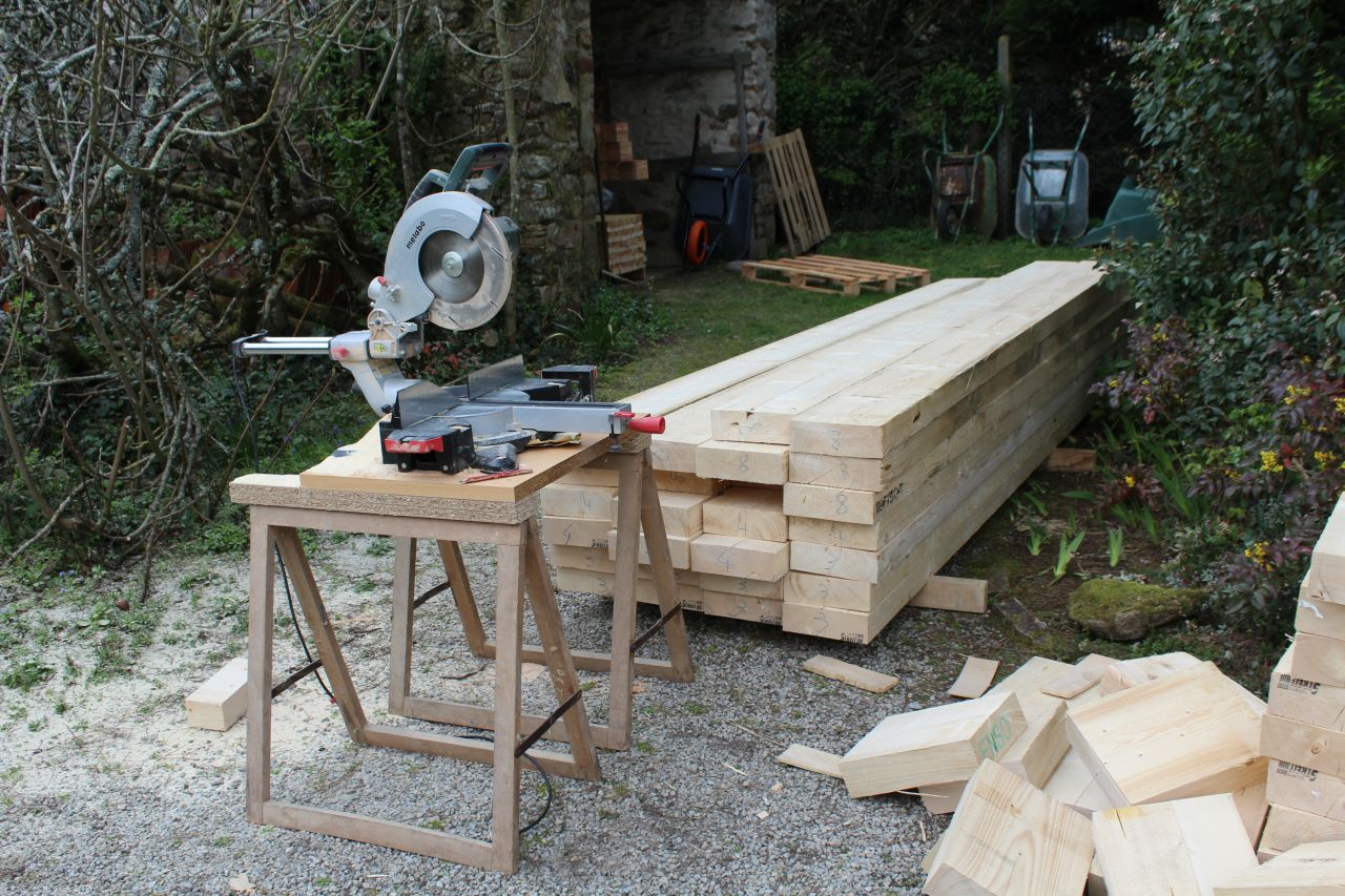 Débit du bois pour les murs : Solive de plancher d'étage