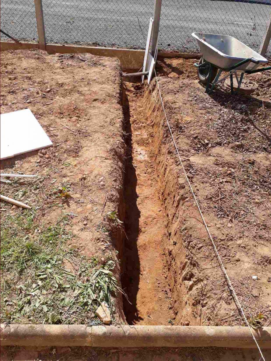 Seconde tranchée (50 cm de profondeur pour l'instant) elle sera plus profonde plus tard