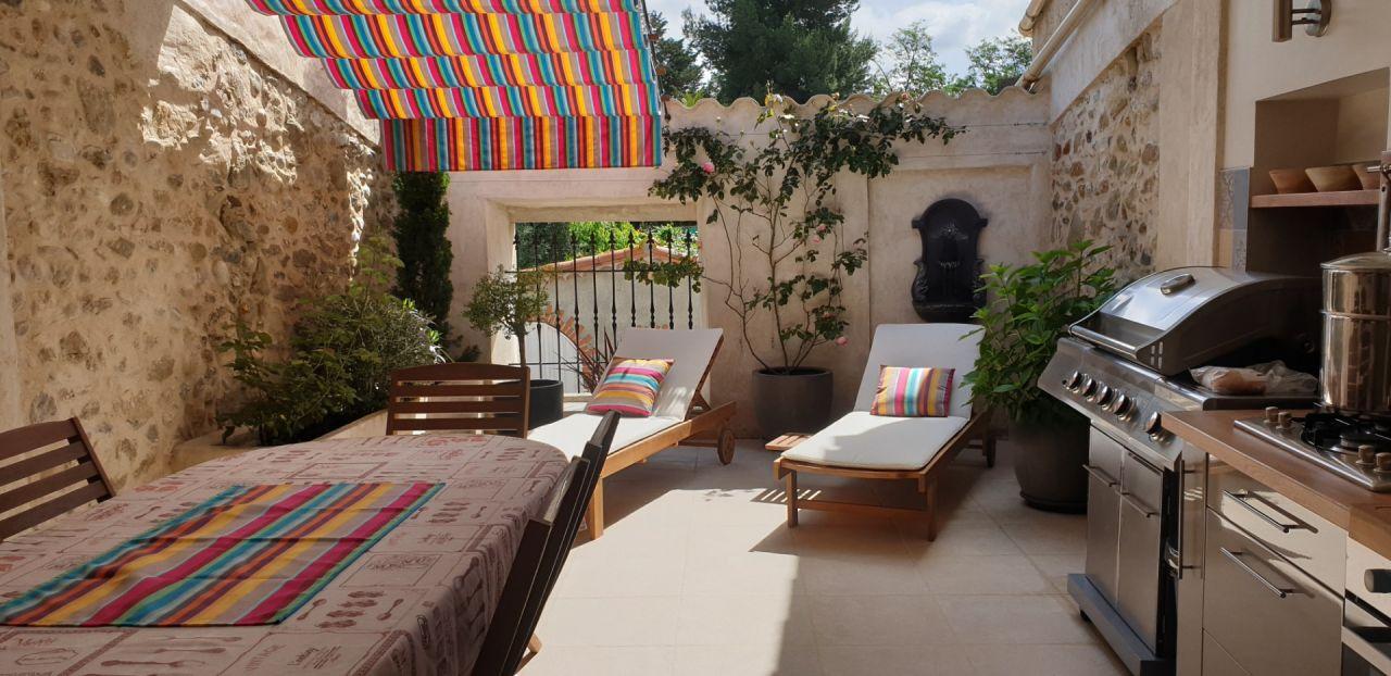 La terrasse d'été après un grand ménage de printemps...