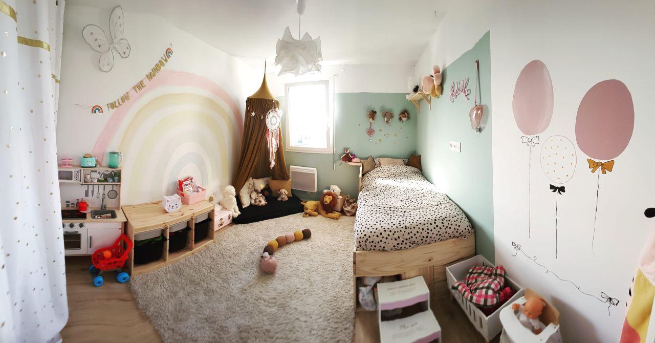 Chambre de ma fille de 3 ans  Thème arc en ciel