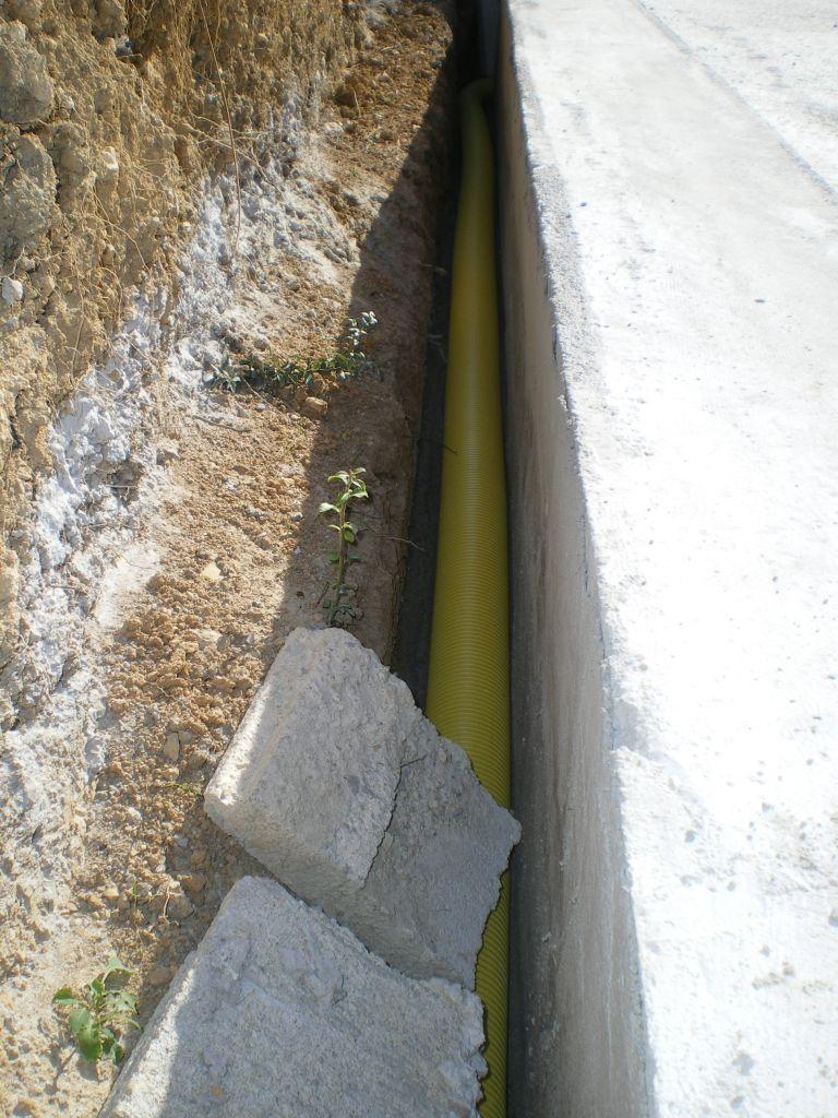 pose du drain agricole sur la fondation