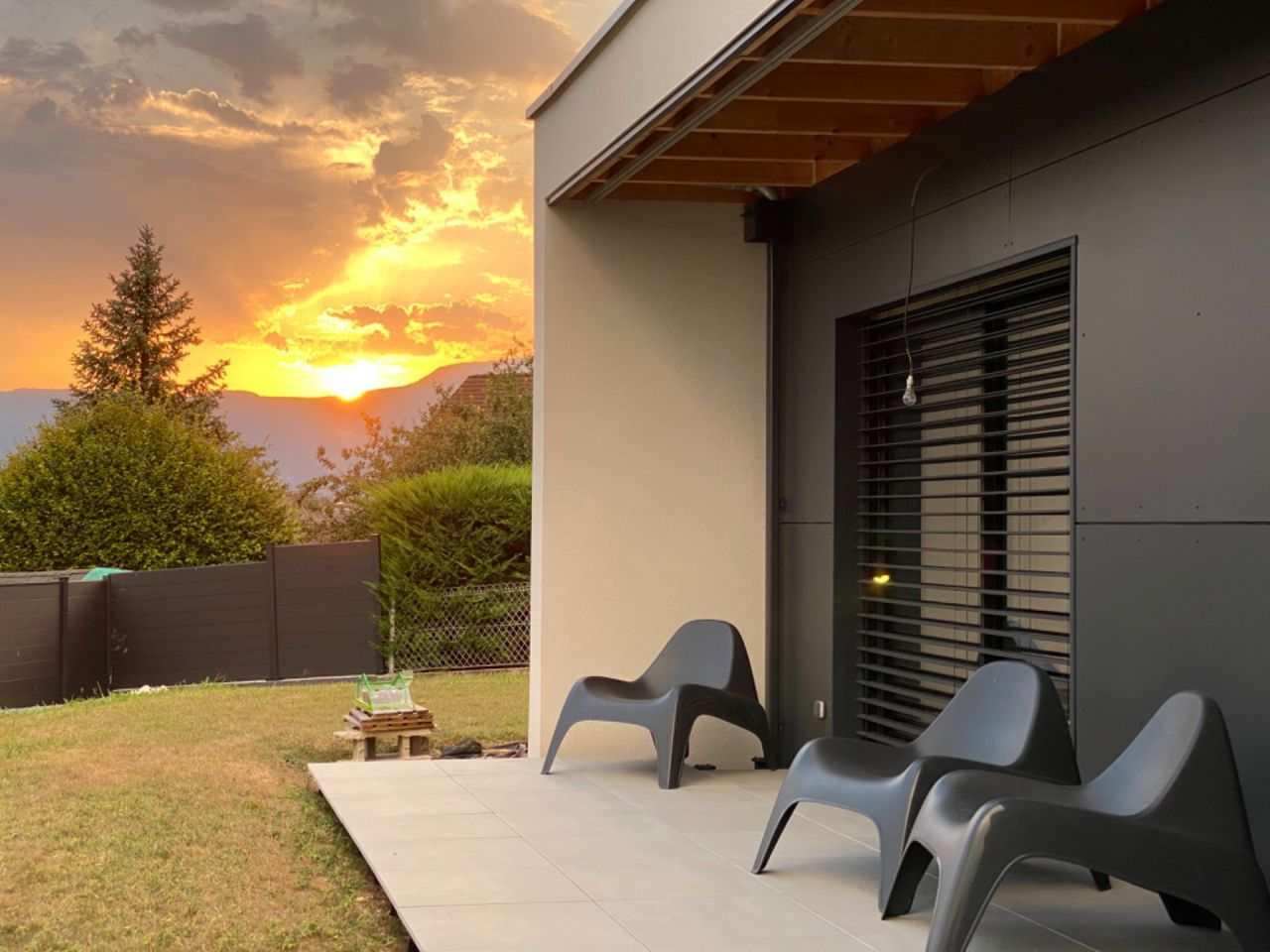 Soleil couchant sur la terrasse