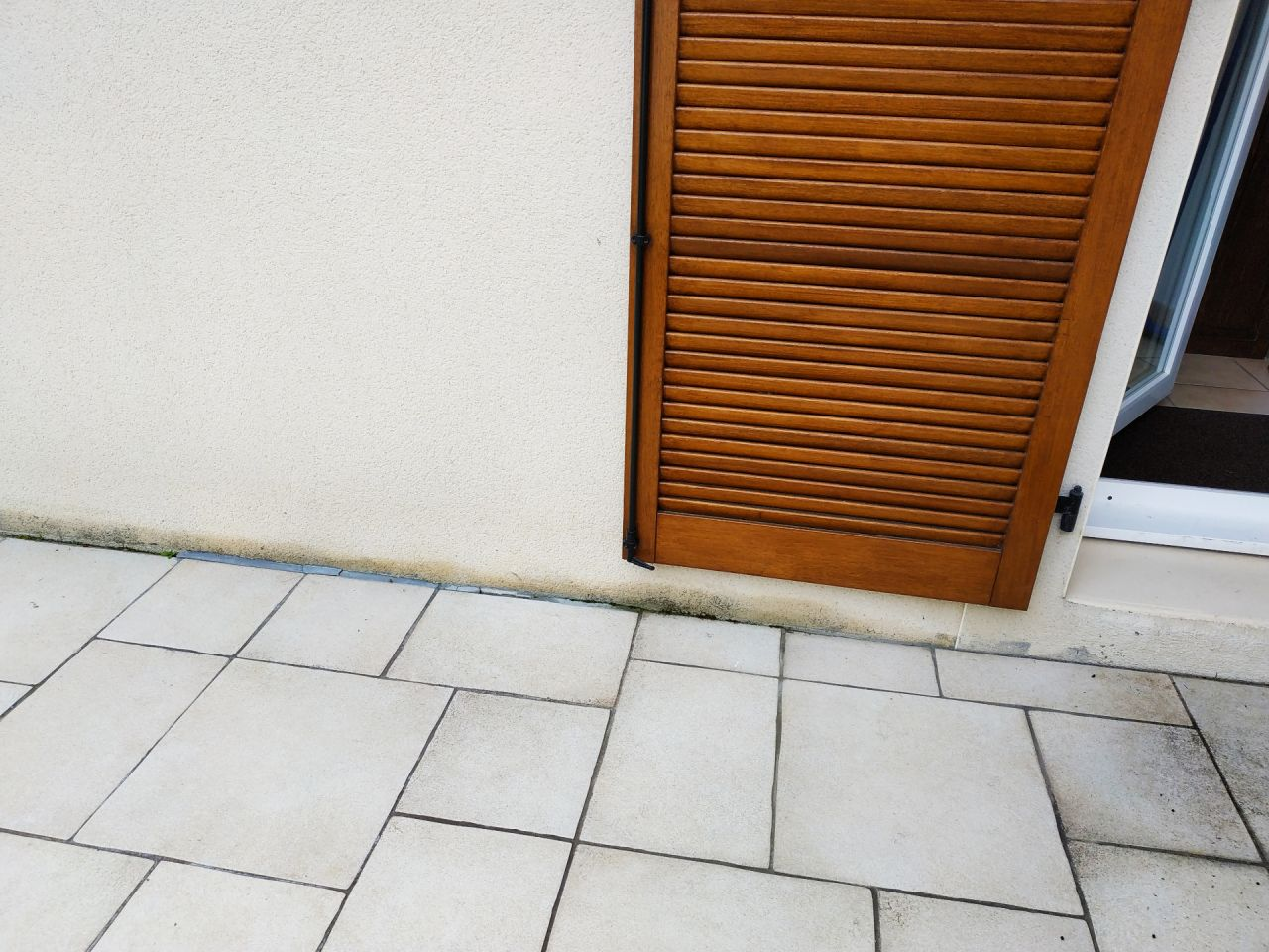 Humidité malgré la géomembrane étanche et la terrasse (dalle + carrelage)