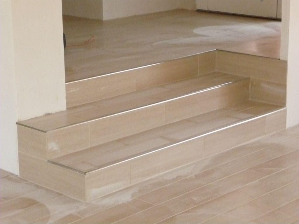 escalier entrée-séjour carrelé