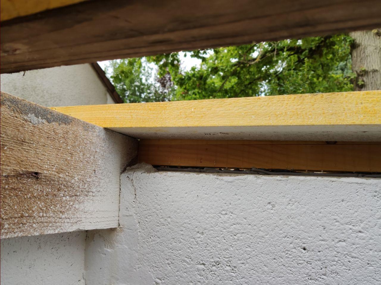 abris jardin, toiture jonction pannes mur à gauche