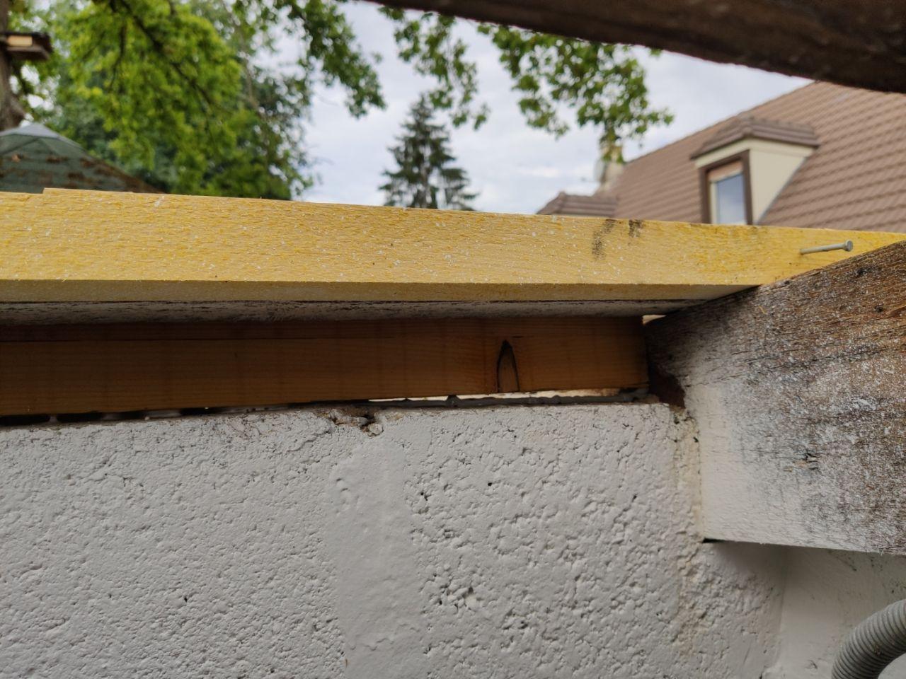 abris jardin, toiture jonction pannes mur à droite