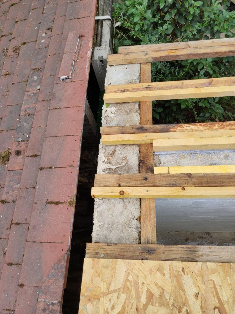 abris jardin, toiture entre pannes à remplir à gauche