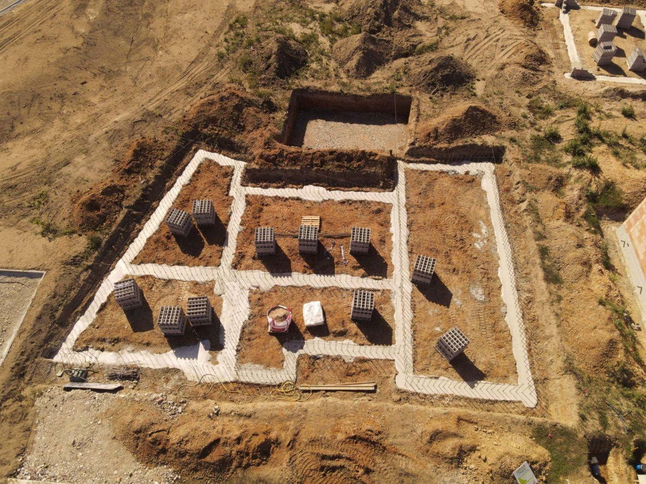 photos vue du ciel des fondations achevées