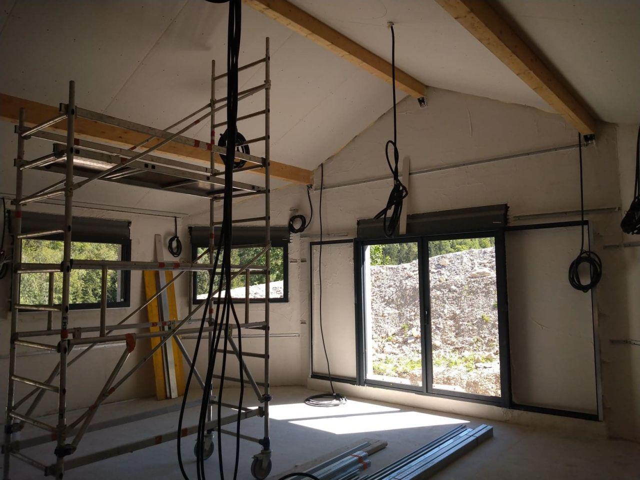 salle de vie, isolation du plafond fini