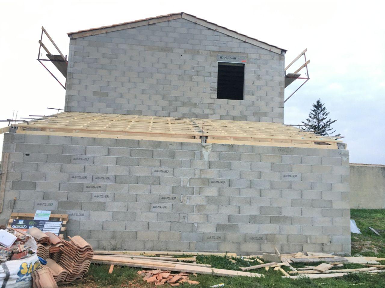 charpente toiture porche et cellier en tradi