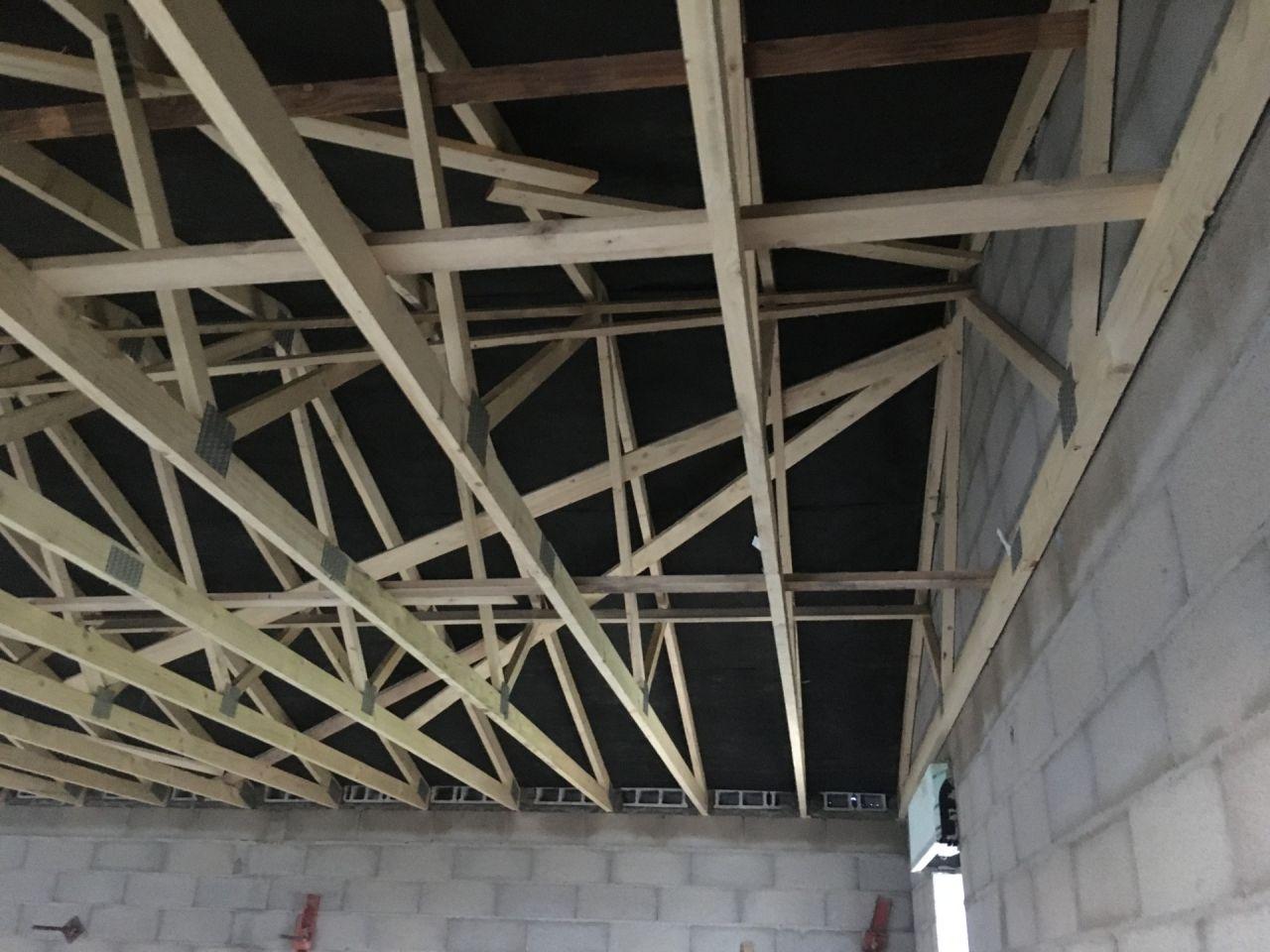 fermettes et écran sous toiture