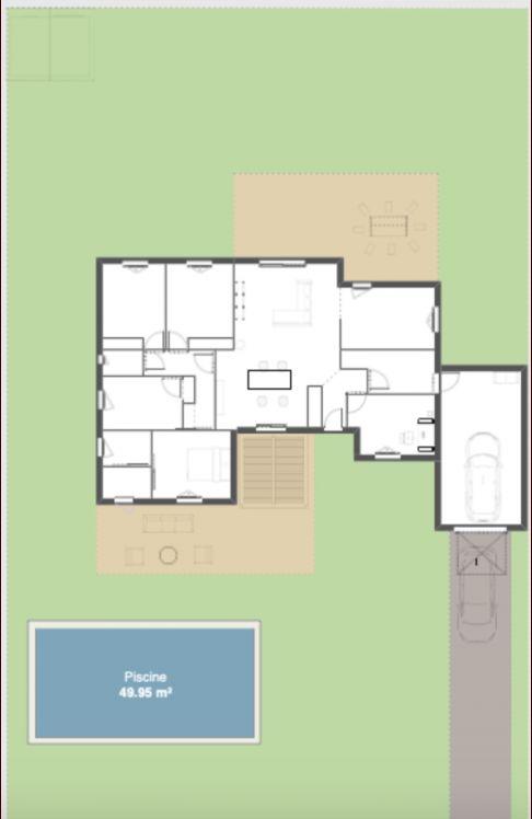 Maison positionnée sur le terrain.