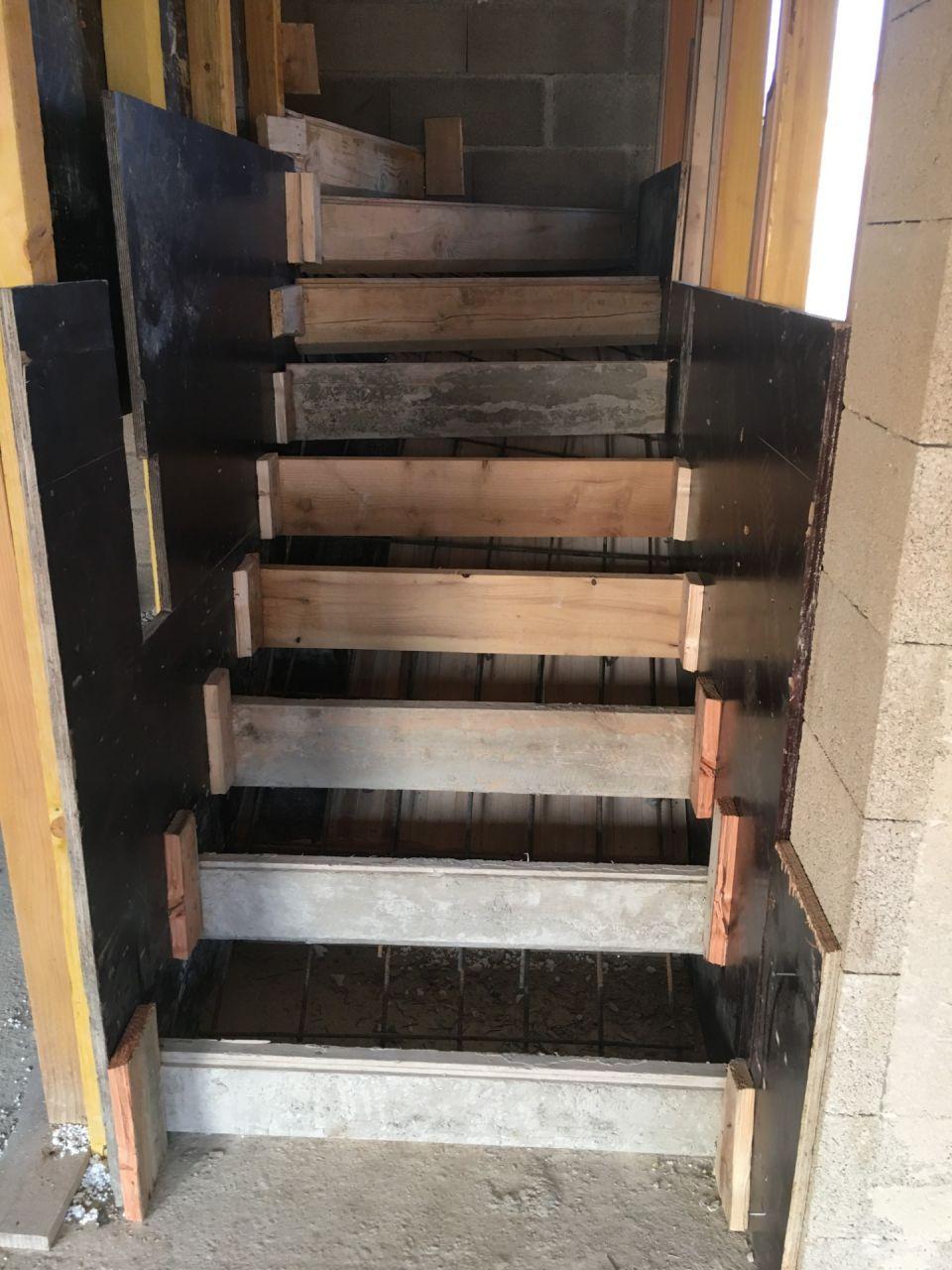 vue de face de l'escalier