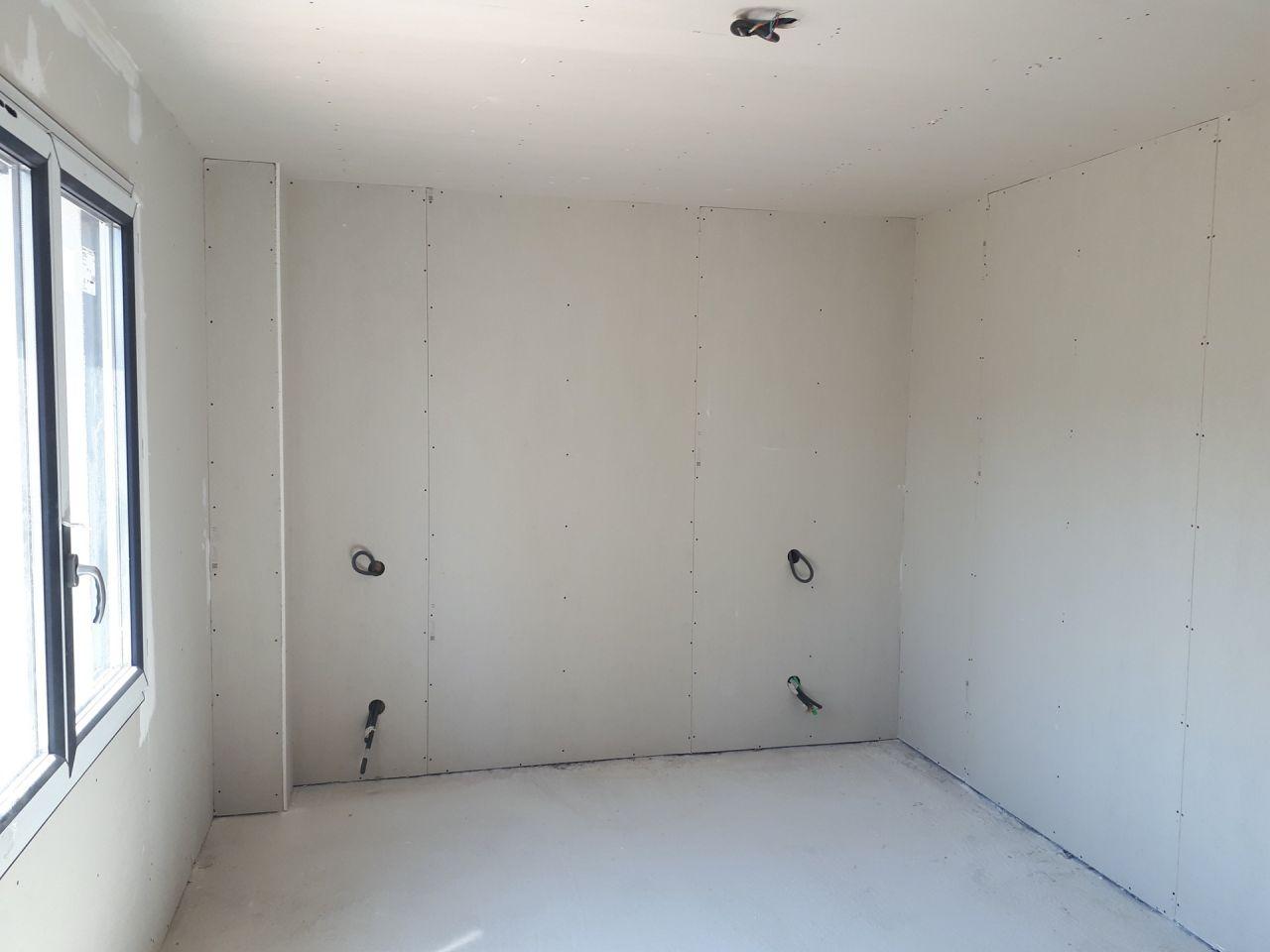 Une chambre avec placo terminé