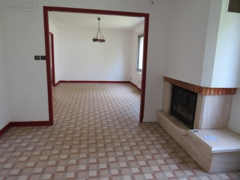 Salon et salle à manger au rez-de-chaussée