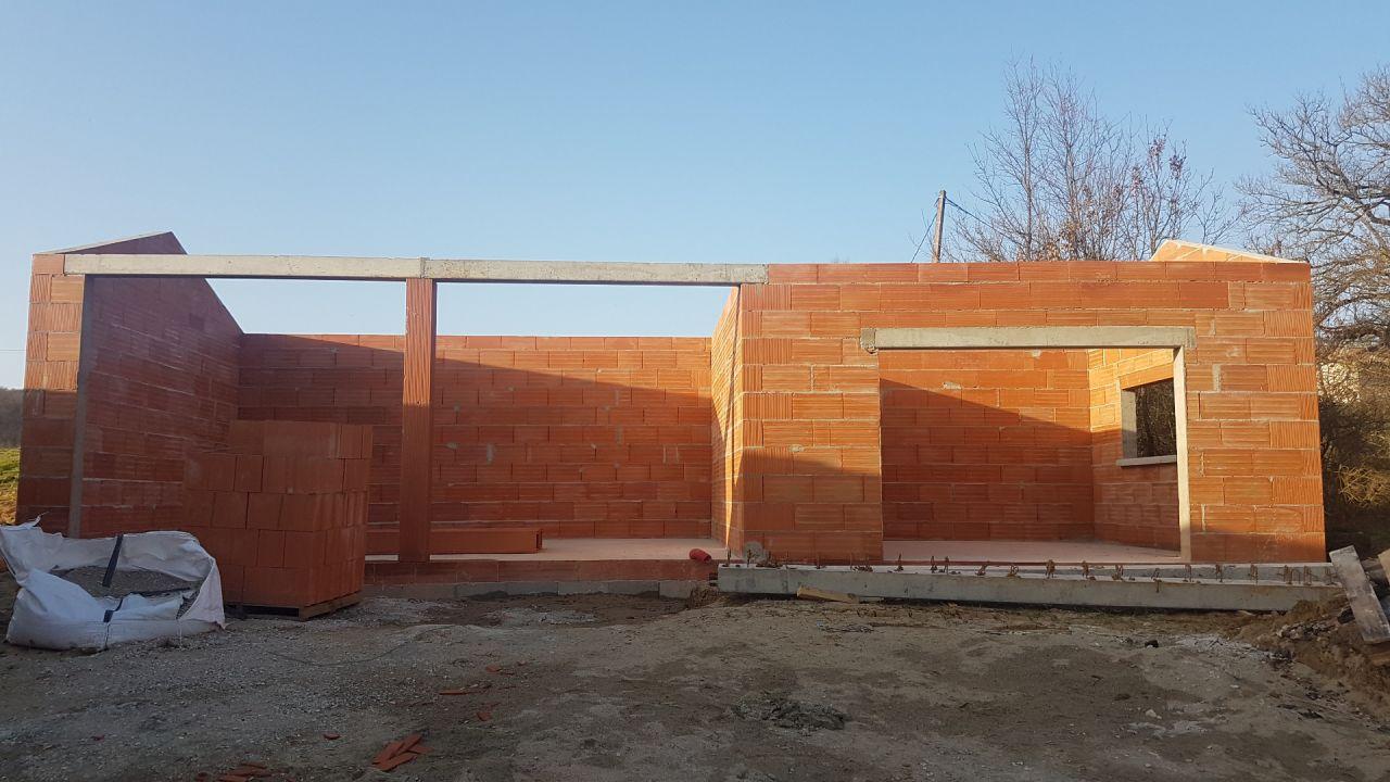 Élévation des murs et pignons du garage et carport terminé