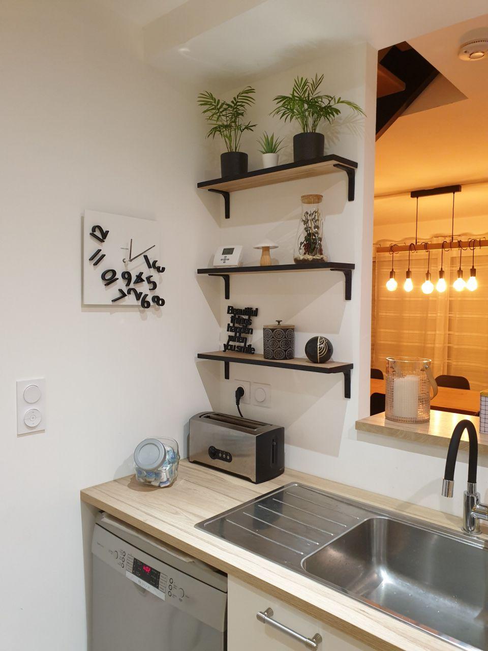 Création de 3 étagères sur mesure pour ma cuisine. Dimensions 60cm×15cm