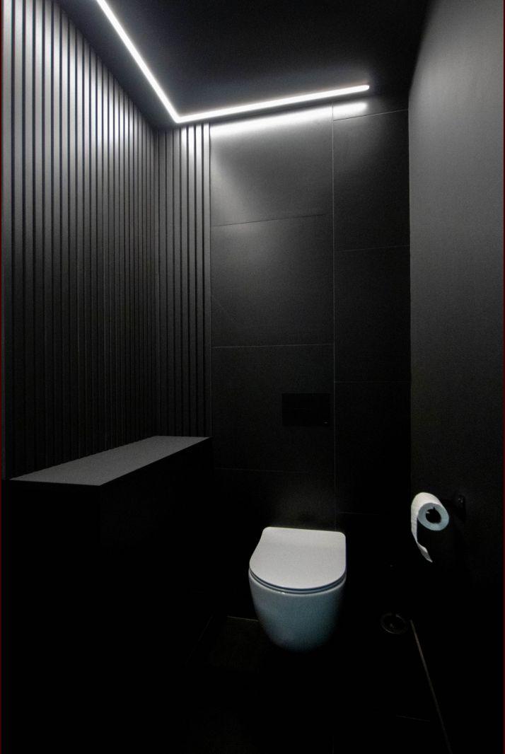 WC - Full Black