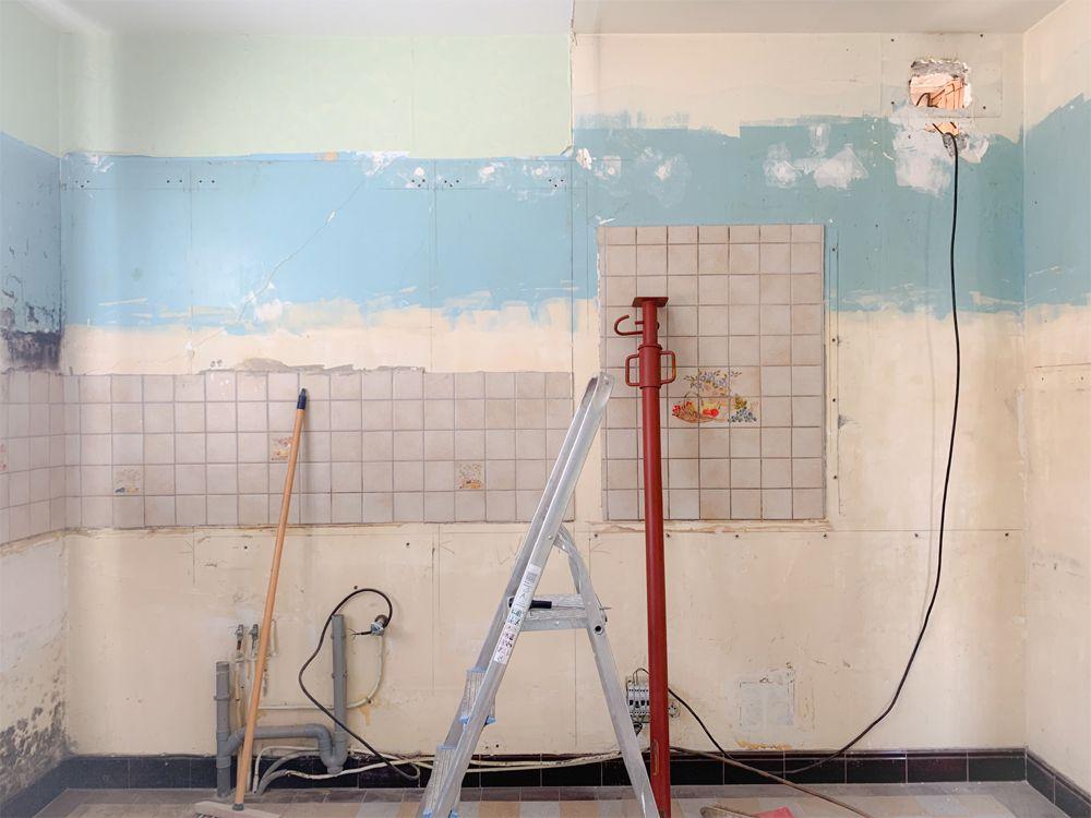 1- Le mur porteur en parpaing épaisseur 10 que je veux ouvrir pour réunir notre future salle à manger et salon.
