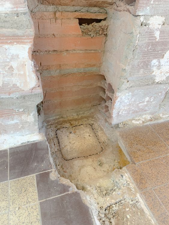 Je trace l'intérieur de l'élément de pilier au sol.