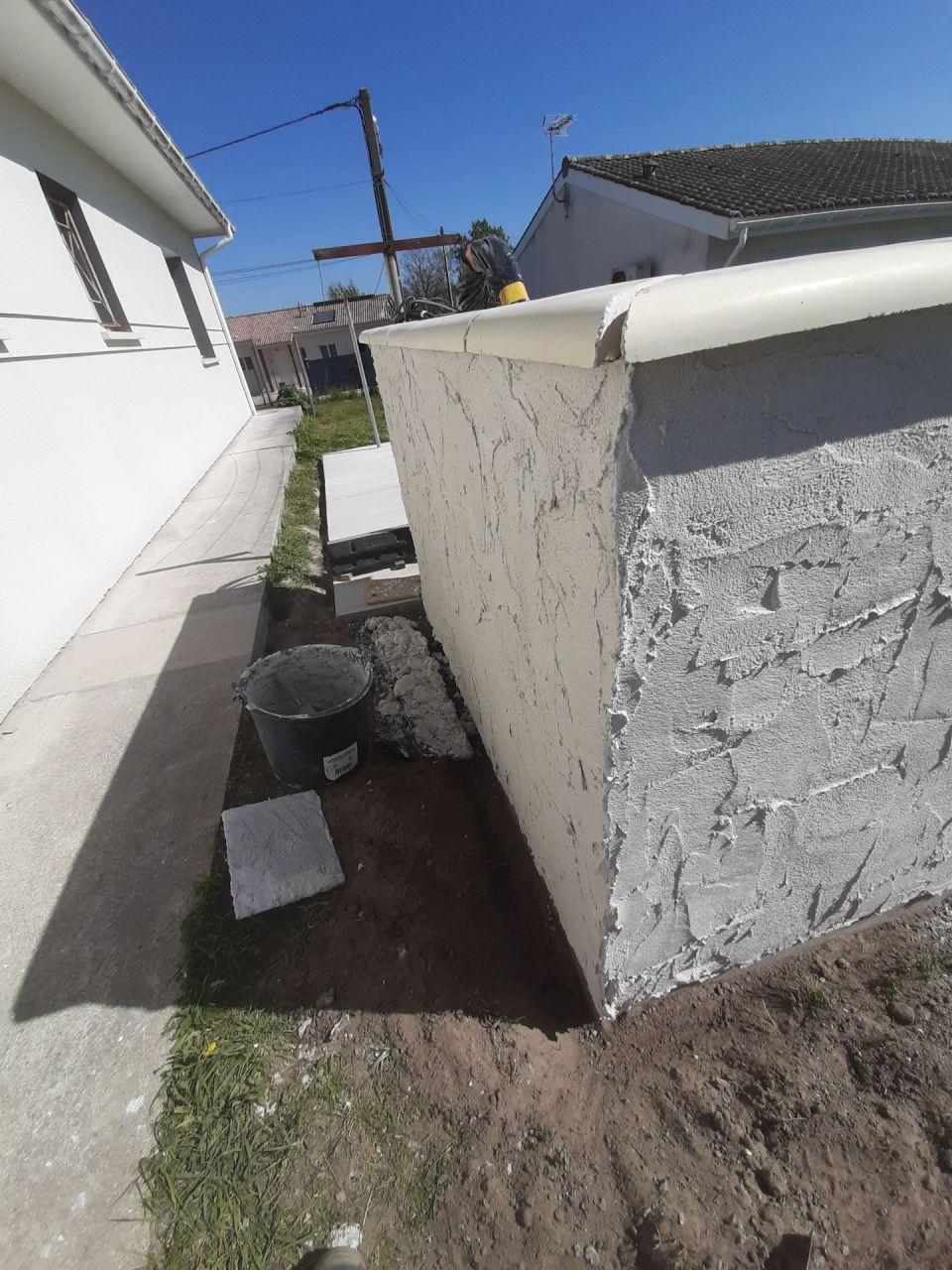 Dessus de mur et enduit mur plateforme PAC.