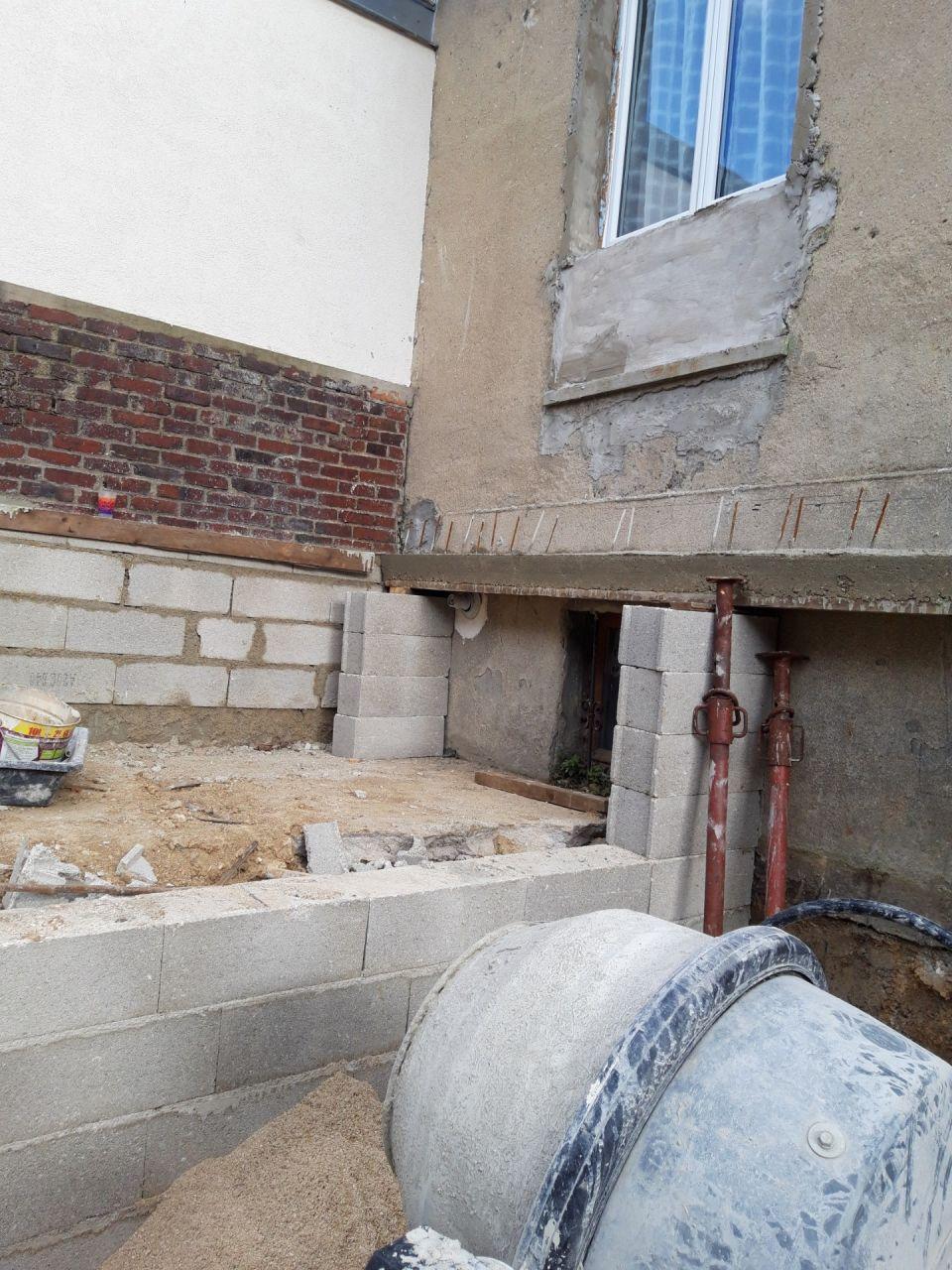 3- Mur coté Est construit sur beton non armé