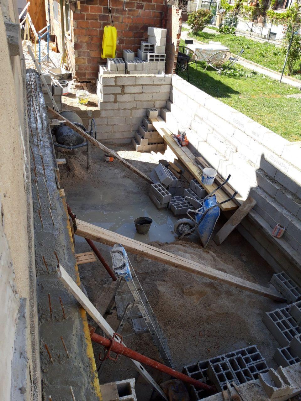 10- Mur extension construit sur fondations mur limite séparative