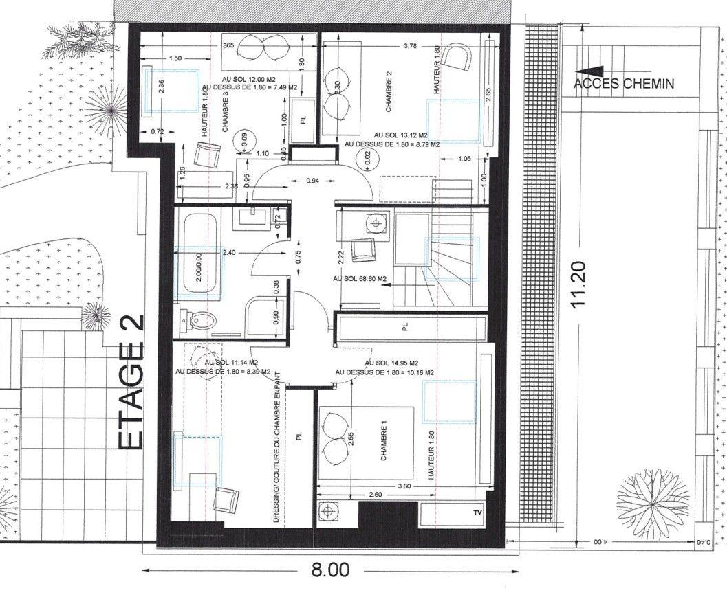 Quand le second étage a été aménagé en 1991 par élévation des combles, une seconde trémie a été percée pour distribuer 4 chambres et une salle de bain.