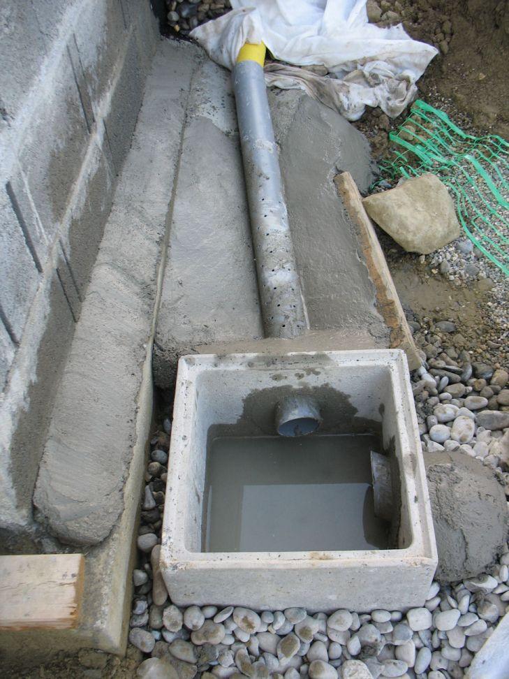regard récupérant l'eau du drain   les pluviales à venir