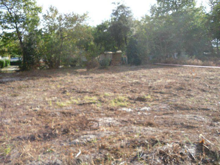 Le terrain est nettoyé et désouché