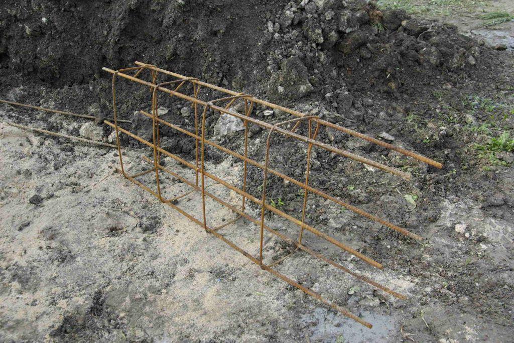 Morceau de ferraillage longrine de fondation LG8 0.35x0.15ht