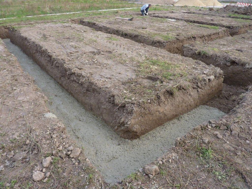 Coulage béton de propreté en fond de fouilles