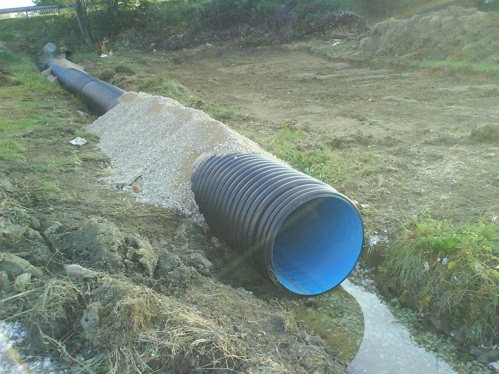 Tuyaux PVC diamètre 800, annelés, sur 12m.