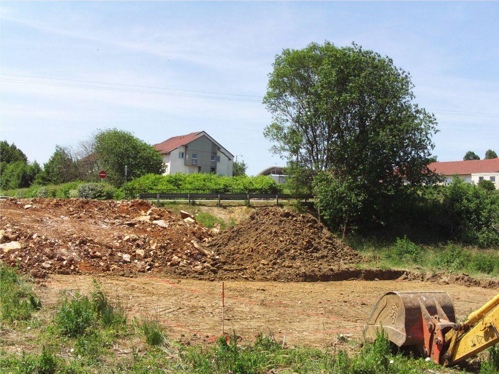 plate forme, avec traçage des fouilles