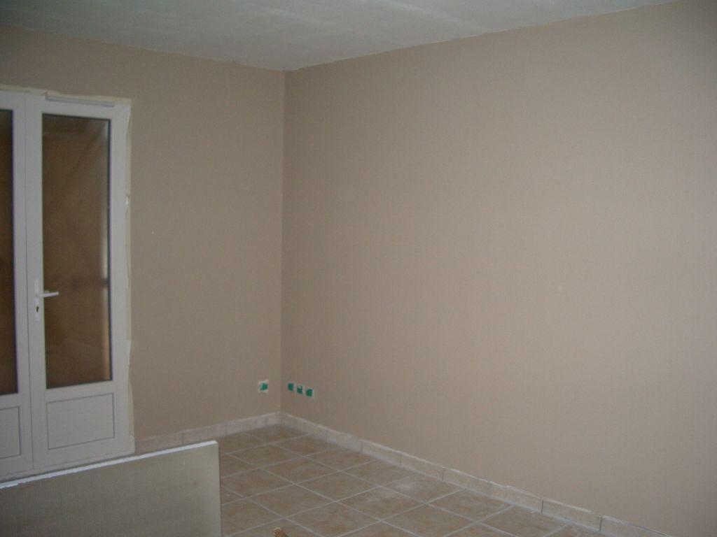 Salle de bain fini notre chambre peinture pi ce vivre brienne saone et loire for Peinture piece a vivre