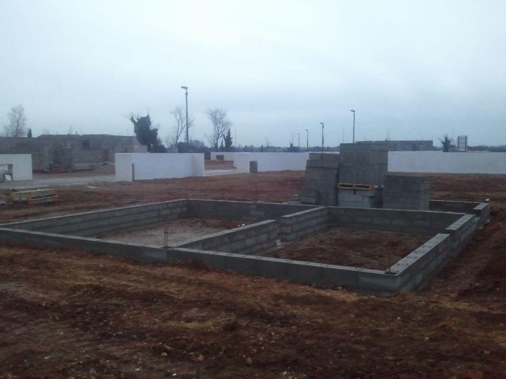 Ouverture du chantier fondations coul es vide sanitaire mont lunel her - Ouverture vide sanitaire ...