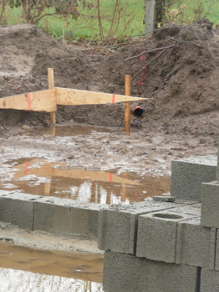 drainage du voisin vacu sur notre terrain 8 messages. Black Bedroom Furniture Sets. Home Design Ideas