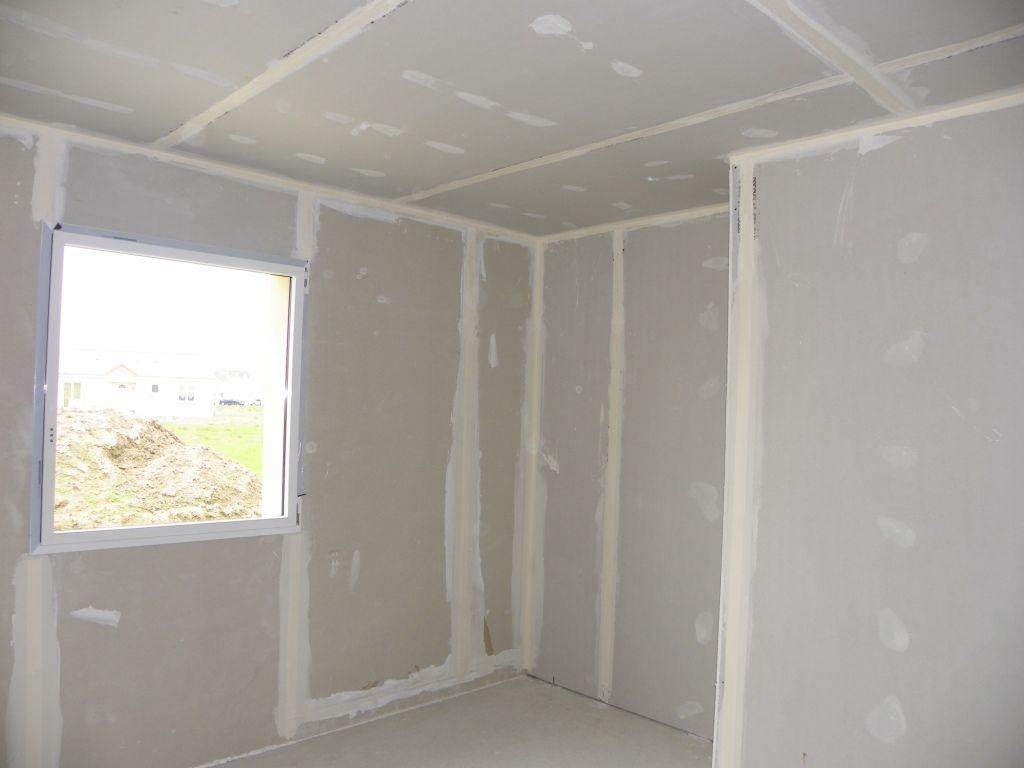 bandes ou pas bandes entre murs et plafond 36 messages. Black Bedroom Furniture Sets. Home Design Ideas