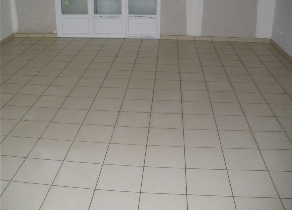 Carrelage 50x50 gris clair salle with carrelage 50x50 for Carrelage 50x50 gris clair